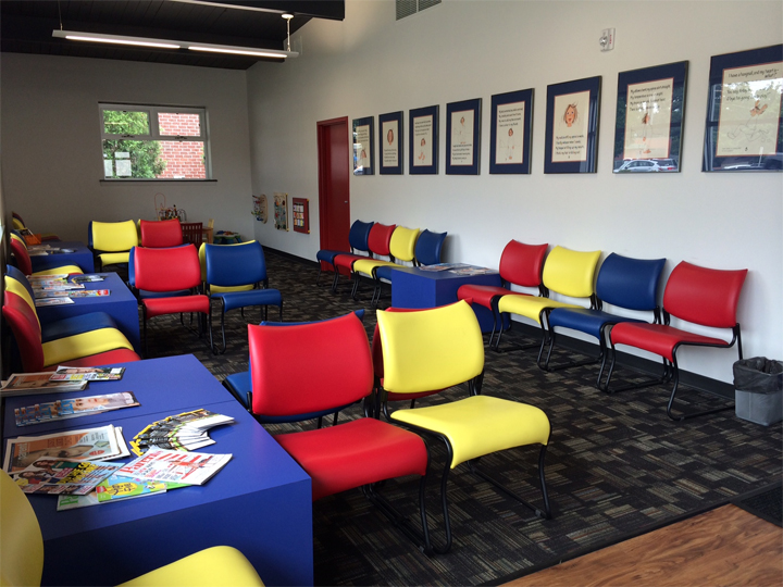 Beautiful Cat Waiting Room With Cube Tables Affordable