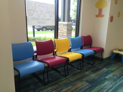 cat-chairs-waiting-room-and-big-bird2